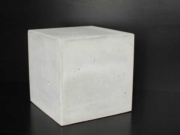 nass, selten trocken Teile von Wasserbehältern C16/202) Gründungsbauteile